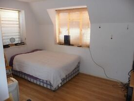 Studio to rent in Golders Green Road NW11 8EL £820pcm