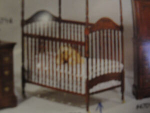 BABY CRIB WITH MATTRESS & MATCHING FOLDING CHANGE TOP WITH PAD