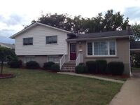 Student House! Location!! Bright and Clean!! Smart TV!