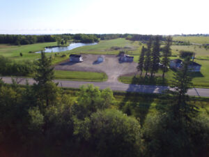 Gimli 4 season Residential and Commercial 1.58 acres for sale