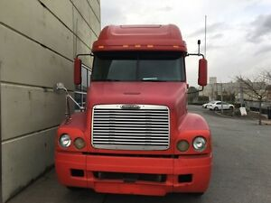 2004 FREIGHTLINER  CENTURY, DAY CAB, LOW KMs **MUST SEE***