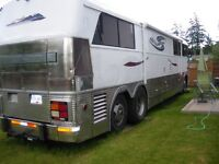 RV Converted Bus
