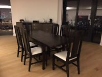 Beautiful extending dinning table and 6 chairs