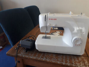 Used Singer Sewing Machine SOLD