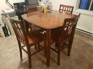 Dining table, pub-style - Perfect condition!