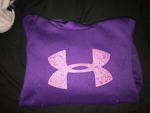 PURPLE UNDERARMOUR SWEATER