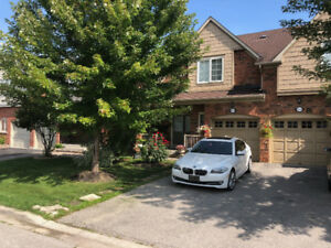 Beautiful semi-detached for rent in Mississauga