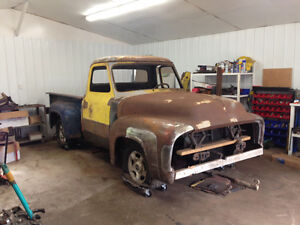 1954 f100 on a 2000 V8 Explorer chassis