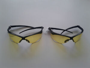 BRAND NEW Safety Glasses construction renovation