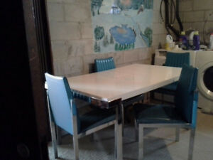 Retro dining set with glider/high chair Custom from the 50's