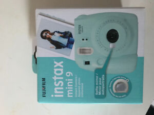 Fujifilm Instax Mini 9 in Blue