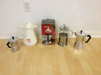 A vendre : coffee / tea  Makers.