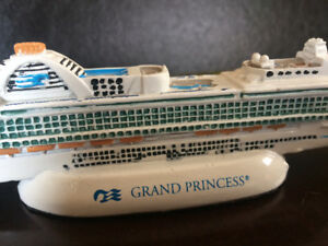 Grand Princess Small Ship Model, 7 Inches Long.