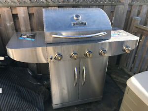 Master Forge 4-Burner (40,000 BTU) Liquid Propane Gas