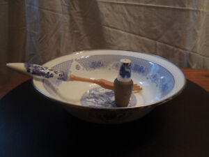 Willow Pattern - 3 orphan pieces