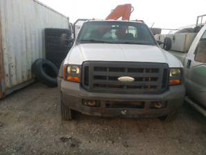 2005 ford picker with 11' deck  automatic transmission