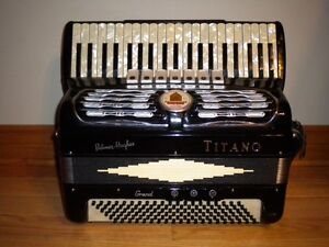Titano Accordian