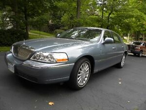 2003 LINCOLN EXECUTIVE SERIES CONTINENTAL TOWN CAR FOR SALE