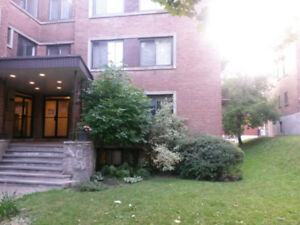 Lease transfer from Oct or Nov: nice 3 1/2 in Côte-des-Neiges