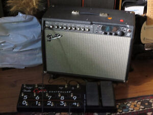 FENDER CYBER TWIN + FOOT CONTROLLER    SPECIAL