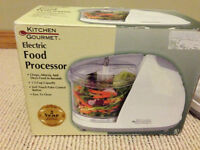 Moving Sale - Kitchen Gourmet Electric Food Processor