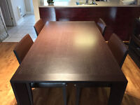 Expandable Kitchen Table CORBEIL + 4 Leather Chairs - 650$