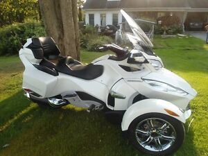 Canam Spyder ST Limited 2012 presque neuf