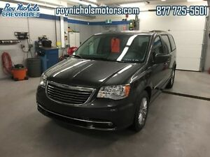 2016 Chrysler Town  Country Touring  - Certified - $162.84 B/W