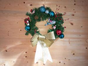 Couronne de Noël et décorations