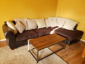 Sectional and coffee table