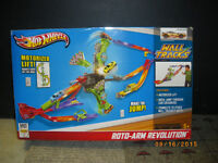 HOT WHEELS wall track Roto-arm Revolution (car not included)
