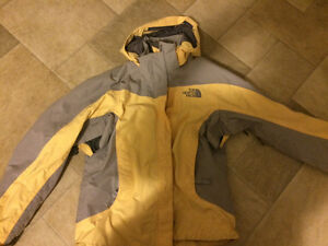 Barely used women's NORTH FACE jacket