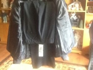 BRAND NEW PANT SUIT OUTFIT Stratford Kitchener Area image 4