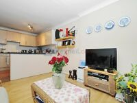 1 bedroom flat in Mile End Road, Bow E1