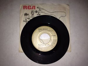45 Tours D'Elvis (Pledging My Love) No PB-10998   année 1977
