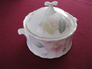 Sugar Bowl & Lid in Silk Blossoms by Mikasa