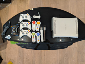 XBOX 360 60GB - - Couch Co-Op Party Bundle w/ 55 Games!