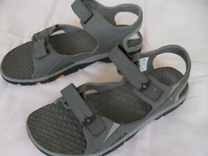 Columbia Men's New Sandals