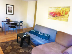 2BR Apartment in the Heart of Westdale Village