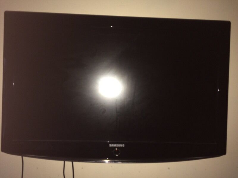 samsung 45 inch tv in hall green west midlands gumtree. Black Bedroom Furniture Sets. Home Design Ideas