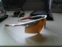 OAKLEY SUNGLASSES FOR SALE! CHEAP NEED TO GET RID OF THEM MFRAME