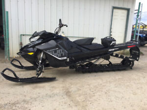 """2018 Skidoo Summit Sp 850 165 3"""" with SHOT. REDUCED 1025 kms"""