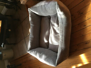 Pet (dog or cat) bed