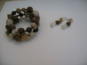 Brown Stone Beads Strechy Bracelet and Matching Earrings