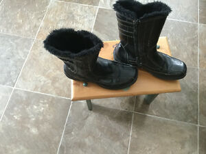 Ladies lined leather winter boots