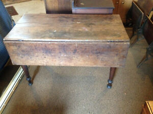 Early Country Kitchen Pine Table