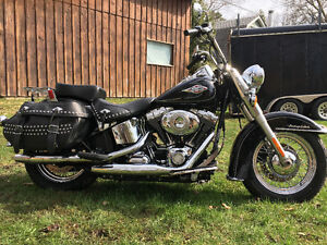 Mint heritage softail.low km. lowered price
