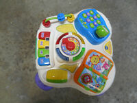 vtech sit-to-stand Learn and Discover Table