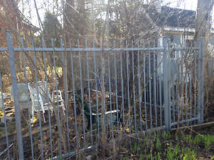 Fence Galvanized Steel 120 ft + Gate & Posts