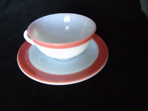 Pyrex Tea Cup/Saucer Pink Flamingo Vintage Peterborough Peterborough Area image 3